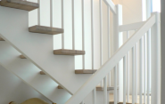 Køb din nye trappe her. Få tilbud og priser på trappeeksperten.dk